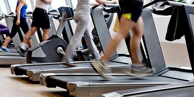 辛い有酸素運動でもスポーツジムでなら楽しく運動できる